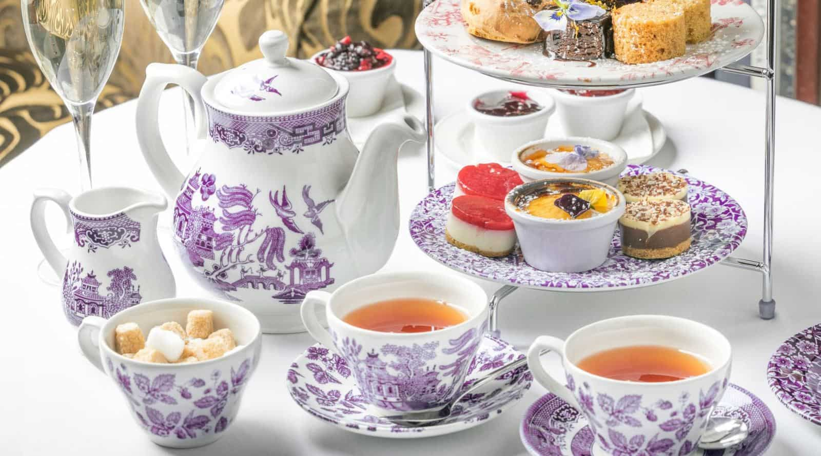 british tea etiquette: the dos and don't