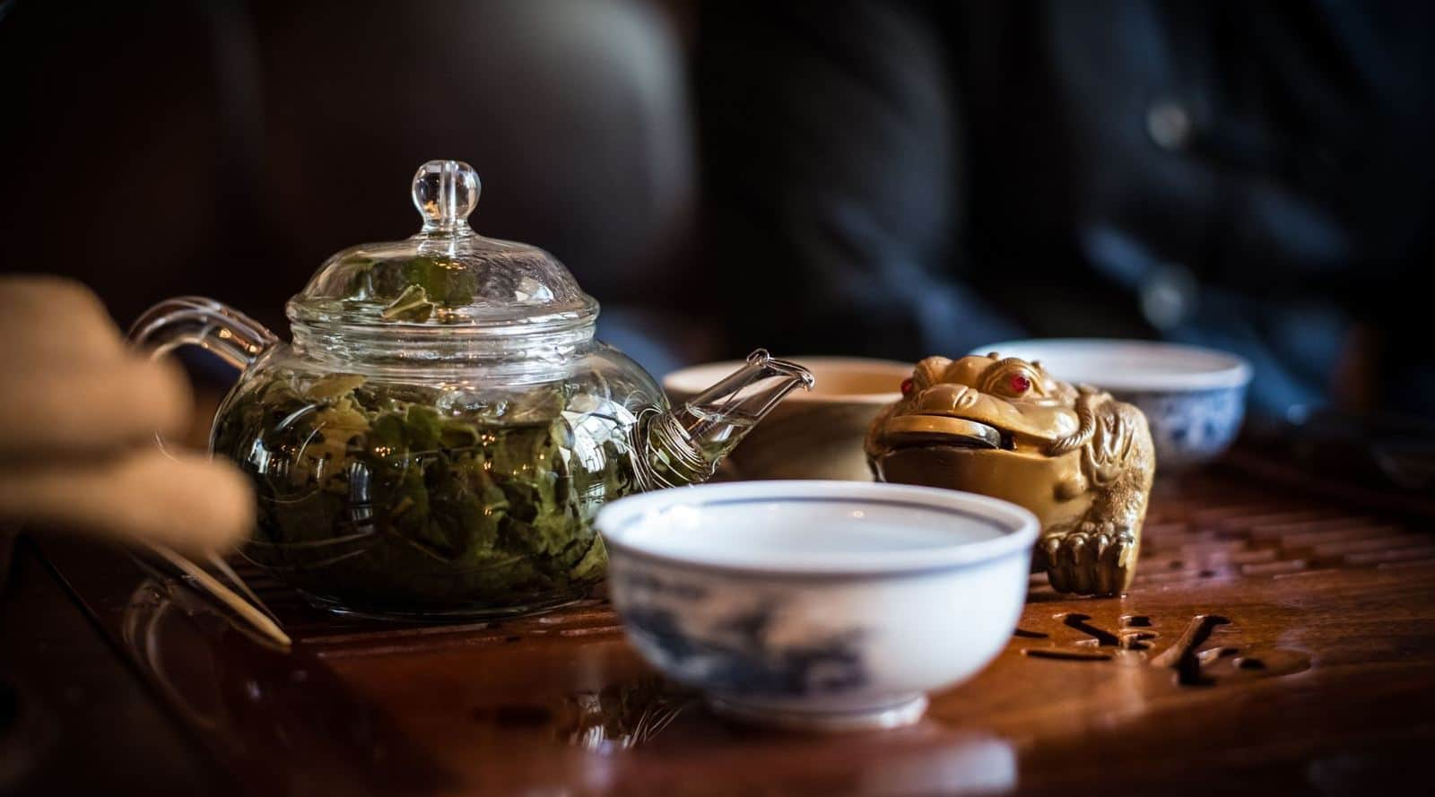 learn the difference between steeping and brewing tea