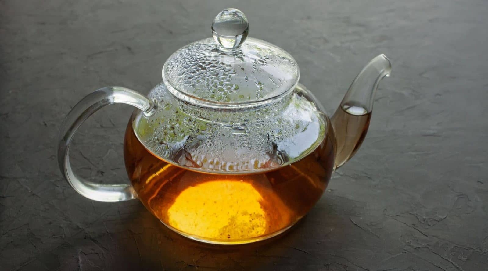 benefits and and drawbacks of using a glass teapot