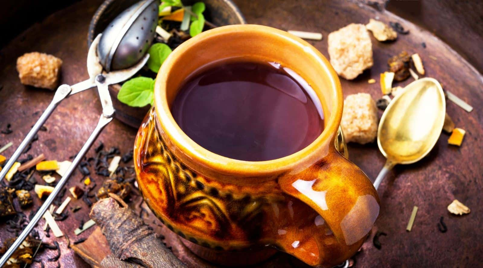 why some teas are darker than others?